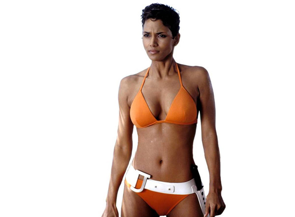 bond-babe-halle-berry